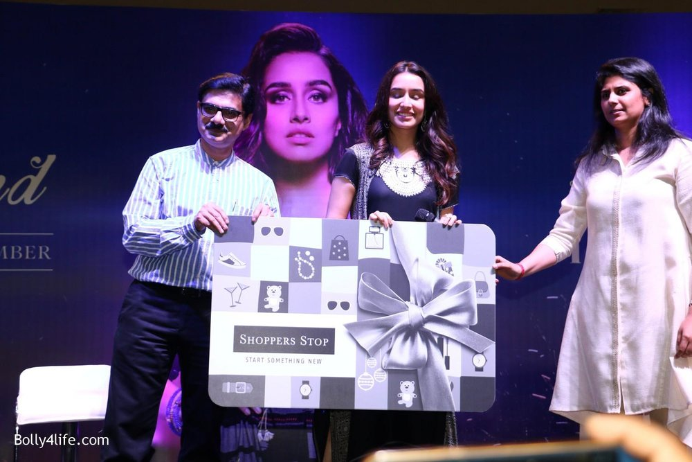 Shraddha-Kapoor-during-the-Enthnic-Wear-store-launch-6.jpg