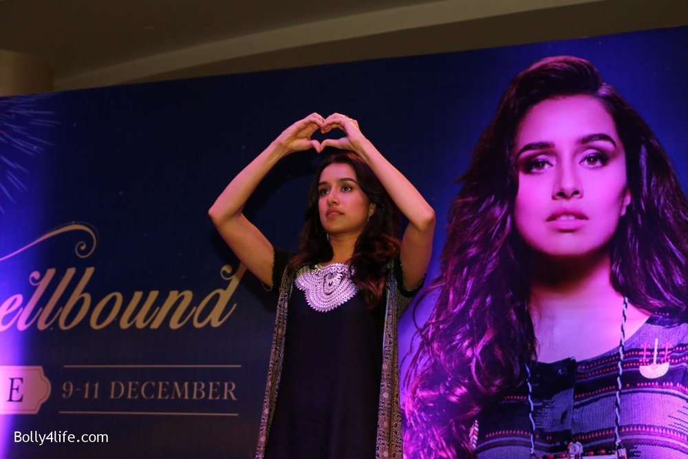 Shraddha-Kapoor-during-the-Enthnic-Wear-store-launch-10.jpg