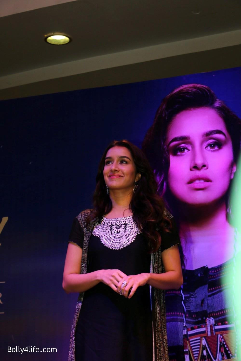 Shraddha-Kapoor-during-the-Enthnic-Wear-store-launch-13.jpg