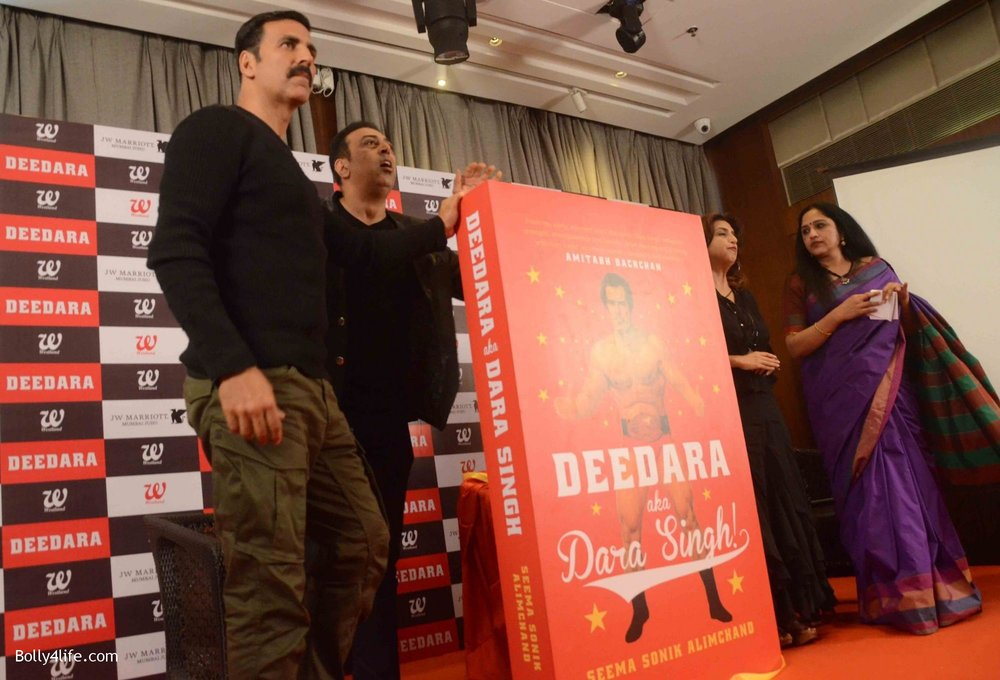 Akshay-Kumar-launches-book-Deedara-5.jpg