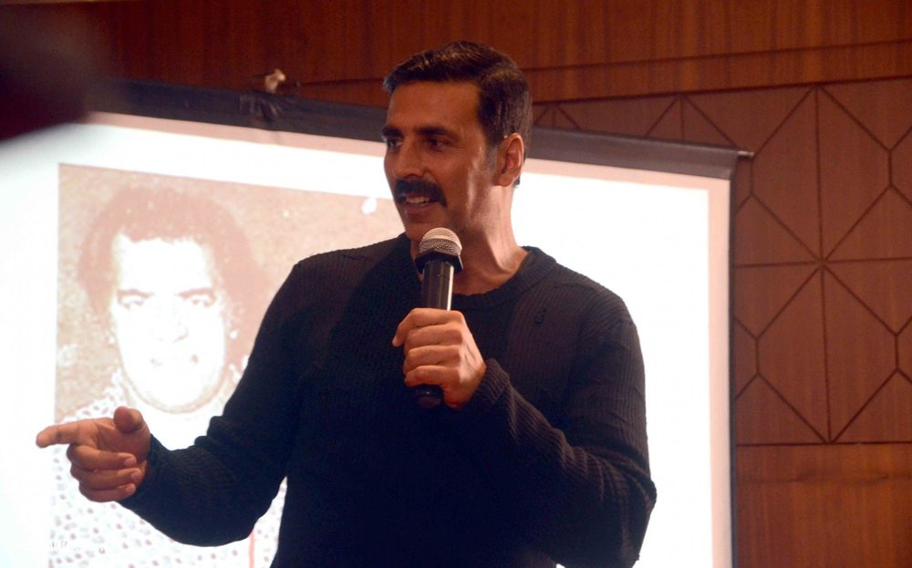 Akshay-Kumar-launches-book-Deedara-7.jpg