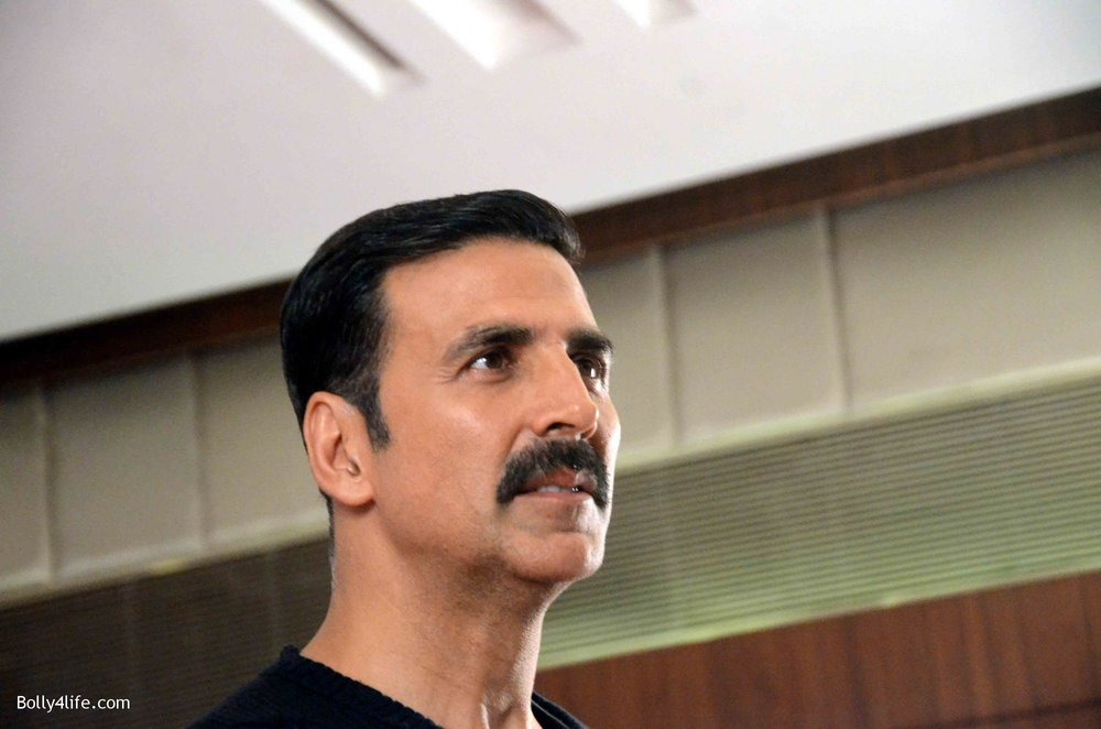Akshay-Kumar-launches-book-Deedara-14.jpg