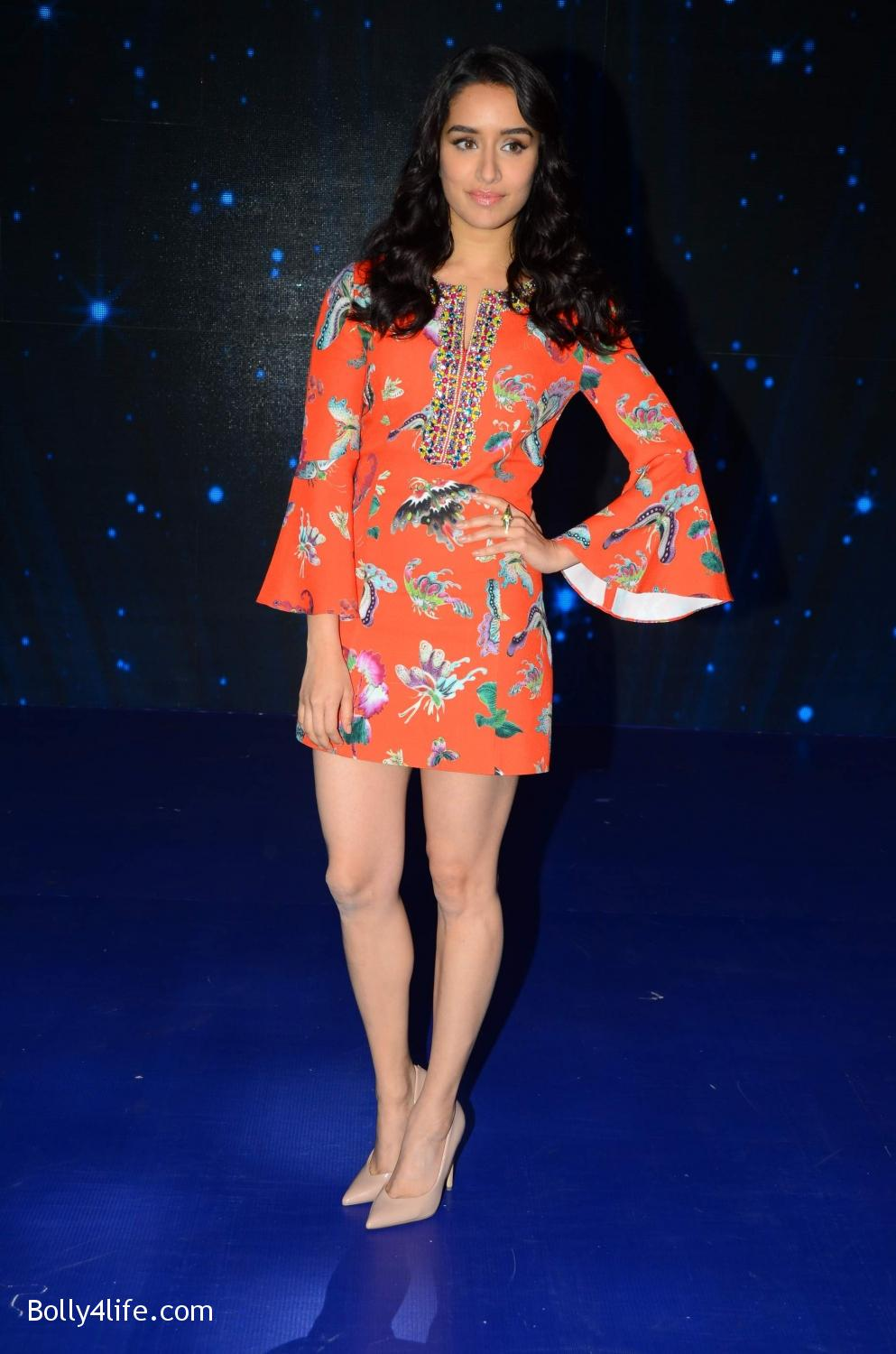 Shraddha-Kapoor-and-Aditya-Roy-Kapur-visit-on-the-set-of-Indian-Idol-Season-9-2.jpg