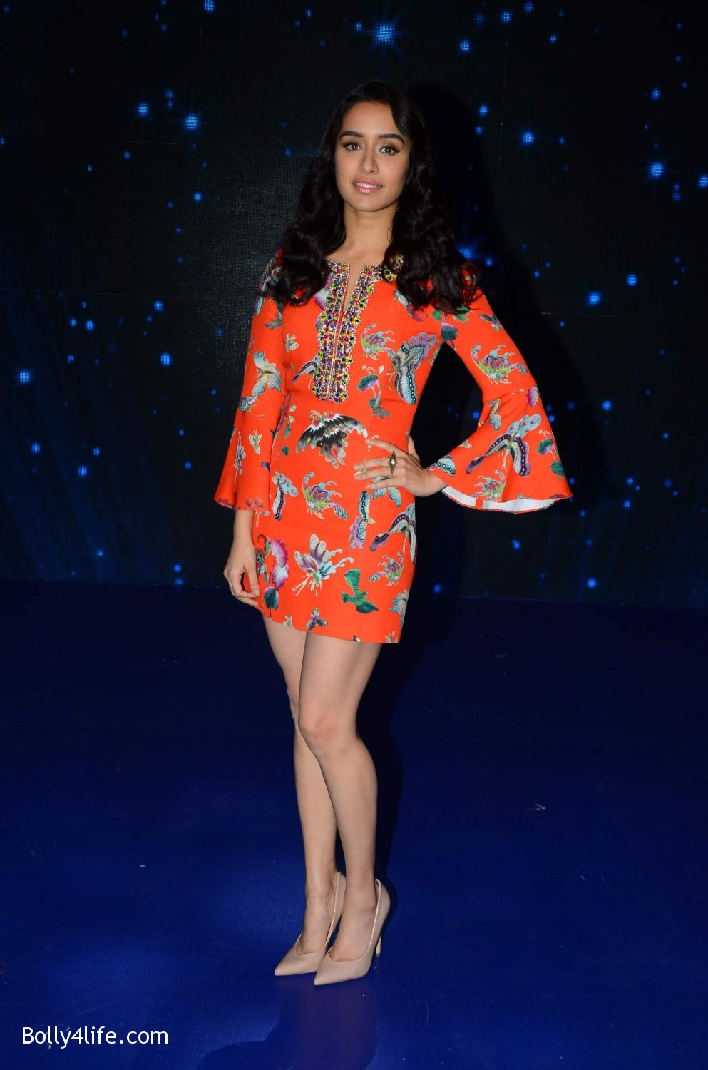 Shraddha-Kapoor-and-Aditya-Roy-Kapur-visit-on-the-set-of-Indian-Idol-Season-9-15.jpg