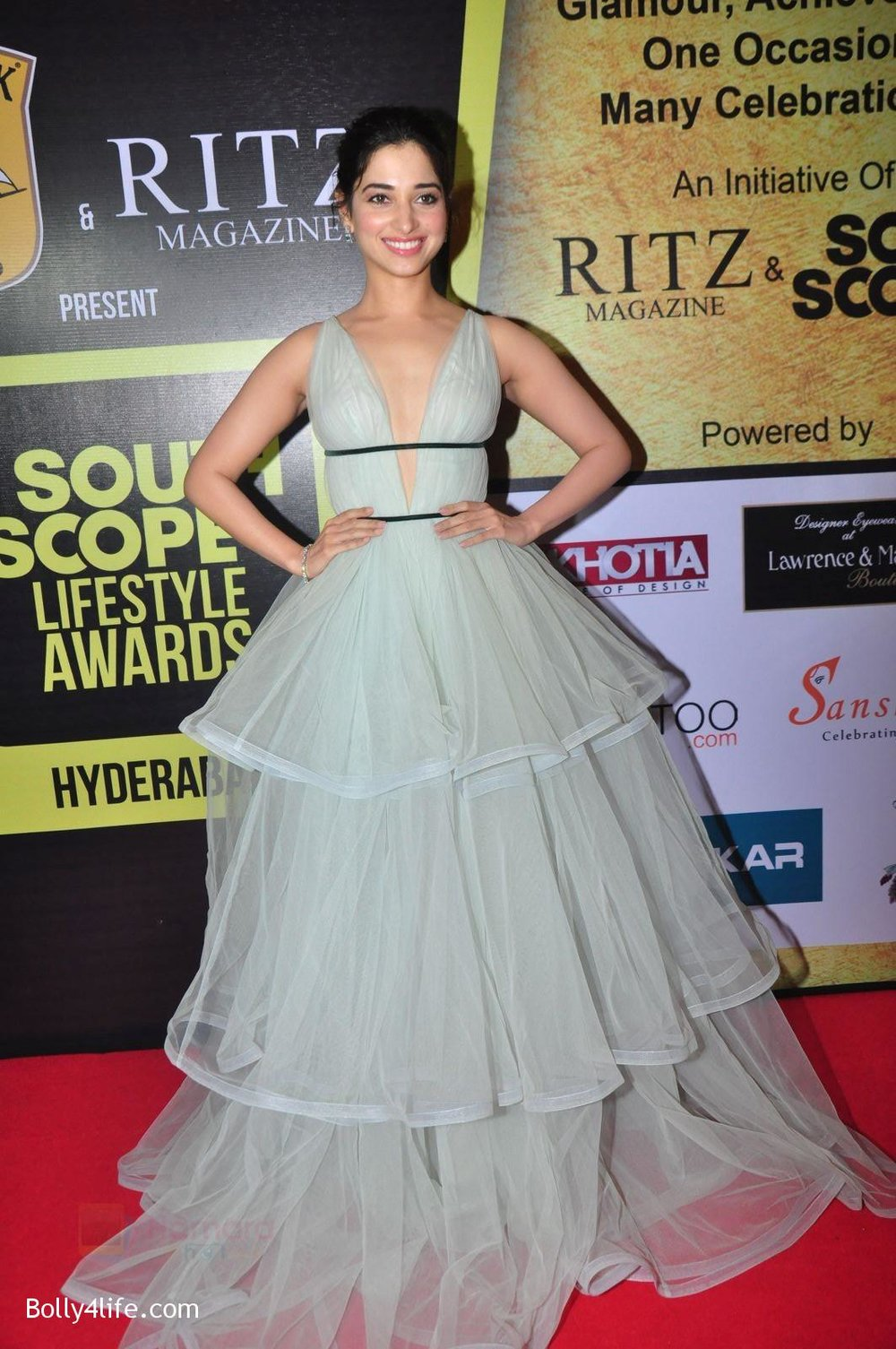 Tamannah-Bhatia-at-South-Scope-Lifestyle-Awards-5.jpg