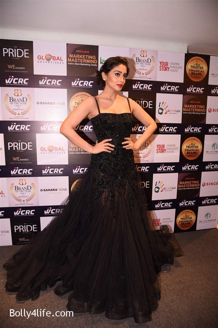 actress_shriya_saran_walk_the_ramp_lakshyam_fashion_show_stills_49ab203.jpg
