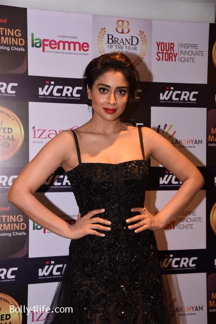 actress_shriya_saran_walk_the_ramp_lakshyam_fashion_show_stills_2192c61.jpg