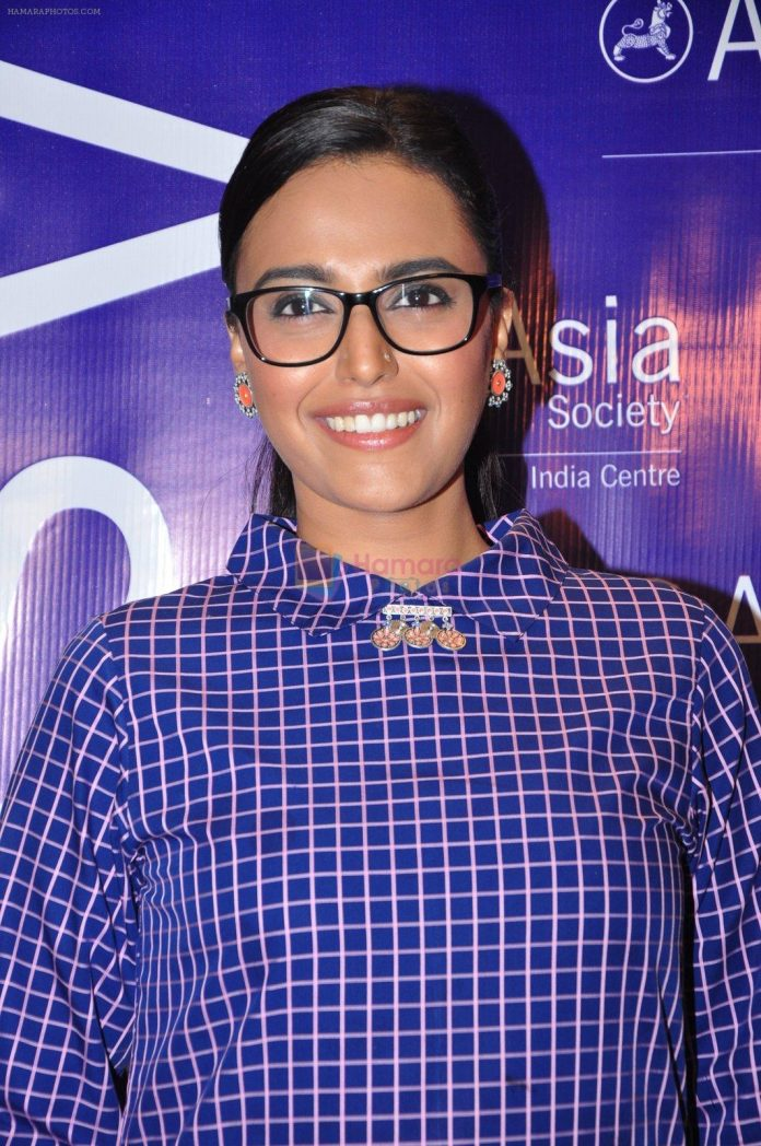 Swara-Bhaskar-at-screenwriters-meet-on-25th-July-2016-696x1048.jpg