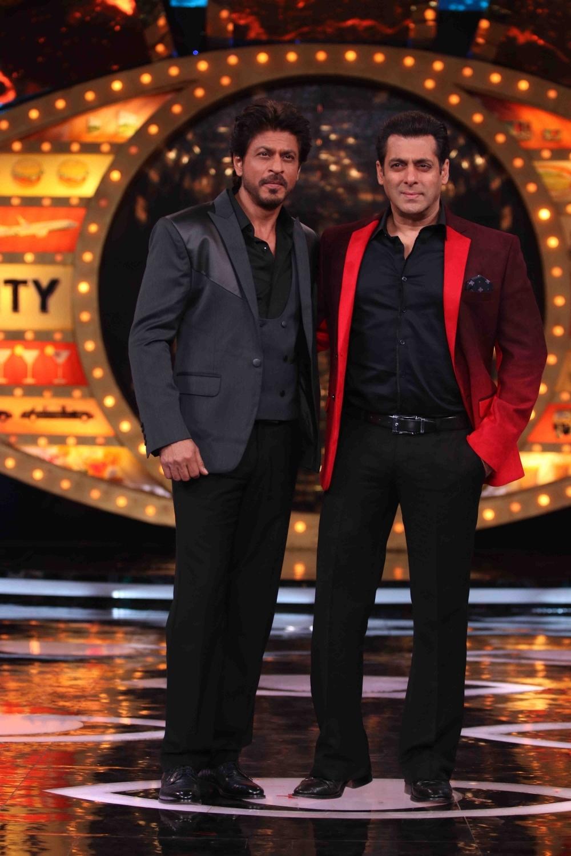 Mumbai: Actors Shah Rukh Khan with Salman Khan on the sets of Bigg Boss season 10 during the promotion of film Raees in Mumbai on Jan 20, 2017. (Photo: (IANS)