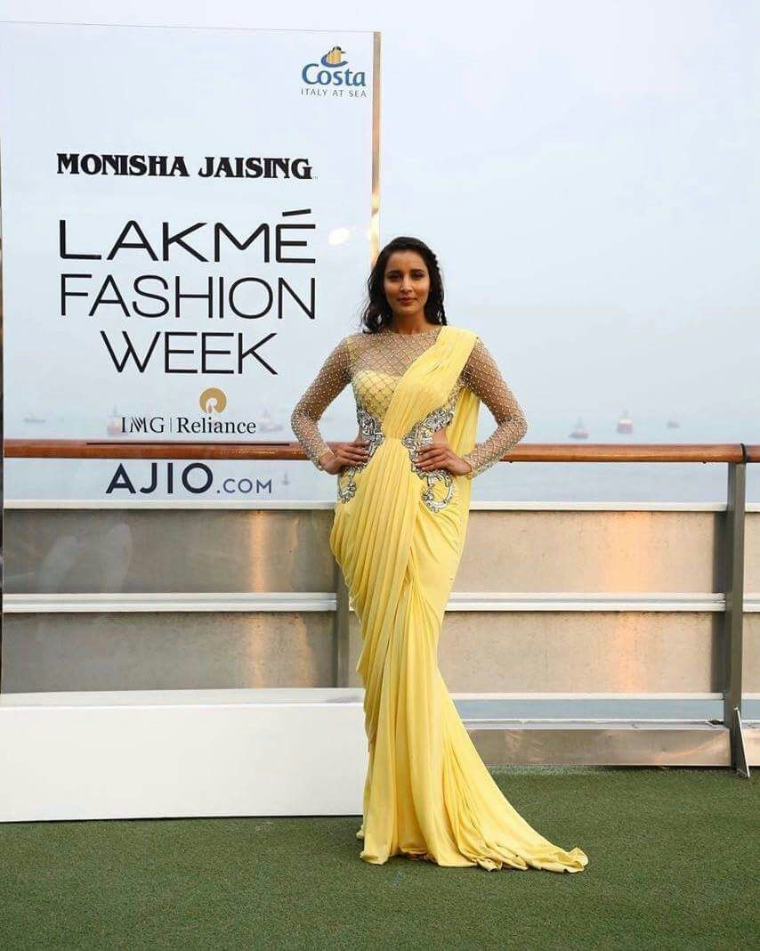 Mumbai: A model displays the creation of fashion designer Monisha Jaising during opening show of Lakme Fashion Week Summer/Resort 2017 in Mumbai on Jan 20, 2017. (Photo: (IANS)