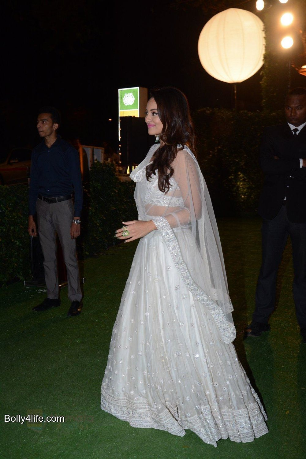 Sonakshi Sinha at Ronnie Screwala daughter wedding reception on 20th Jan 2017 shown to user 34724