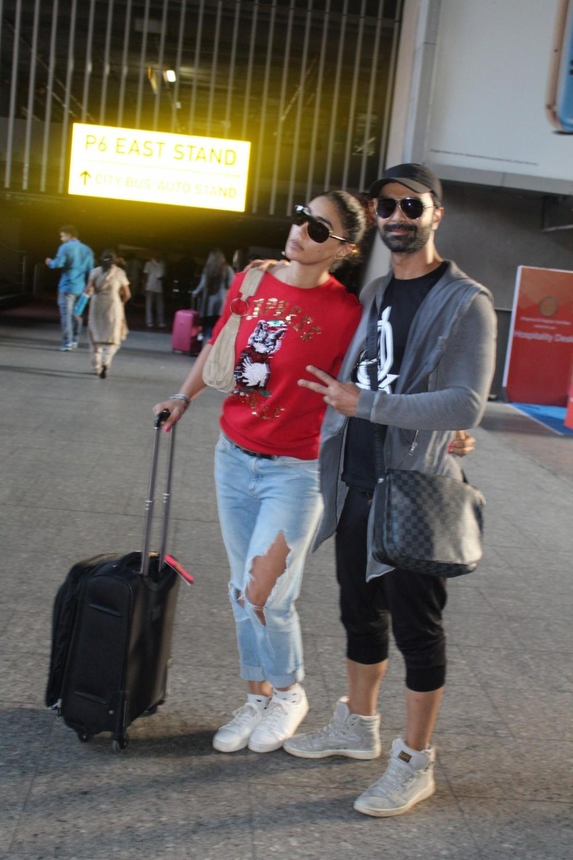 Mumbai: Actors Ashmit Patel and Mahek Chahal spotted at Airport in Mumbai. (Photo: IANS)