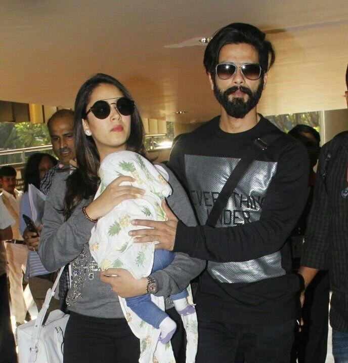 Mumbai: Actors Shahid Kapoor and Meera Rajput spotted at Mumbai domestic airport in Mumbai on Jan 29, 2017. (Photo: IANS)