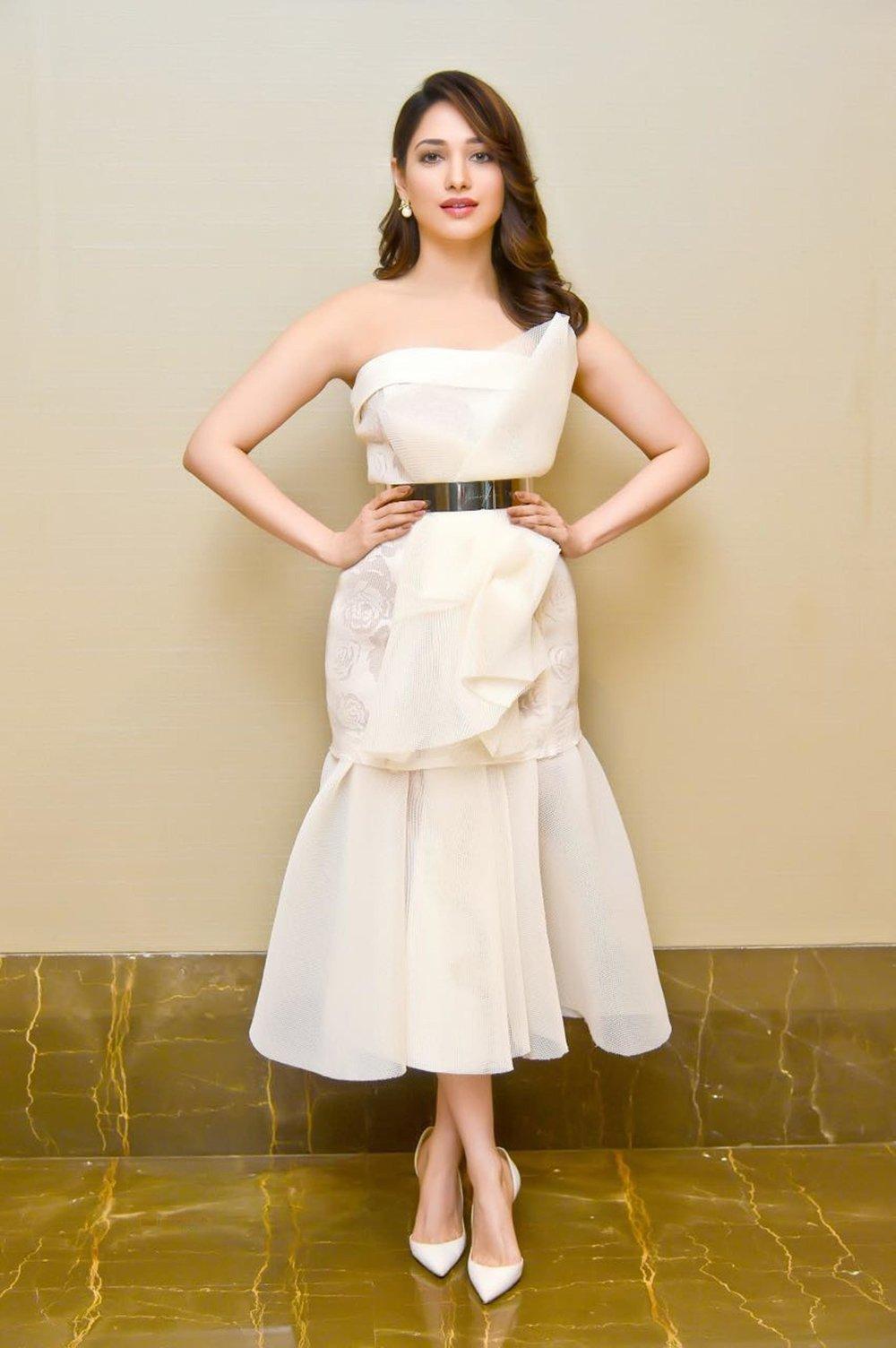 Tamannah Bhatia in Mihano Momsa outfit at Femina Mother-Daughter Awards 2017 shown to user 34724