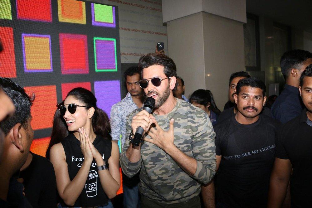 Mumbai:  Actors Hrithik Roshan and Yami Gautam at Mithibhai College Festival  in Mumbai on Jan 31, 2017 (Photo: IANS)
