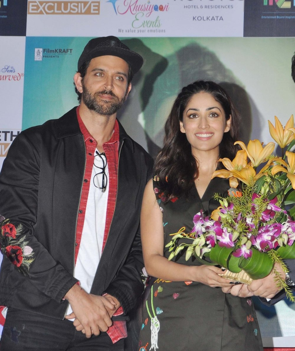 Kolkata: Actors Hrithik Roshan and Yami Gautam during a press conference to promote their film 'Kaabil' in Kolkata on Feb 3, 2017. (Photo: Kuntal Chakrabarty/IANS)