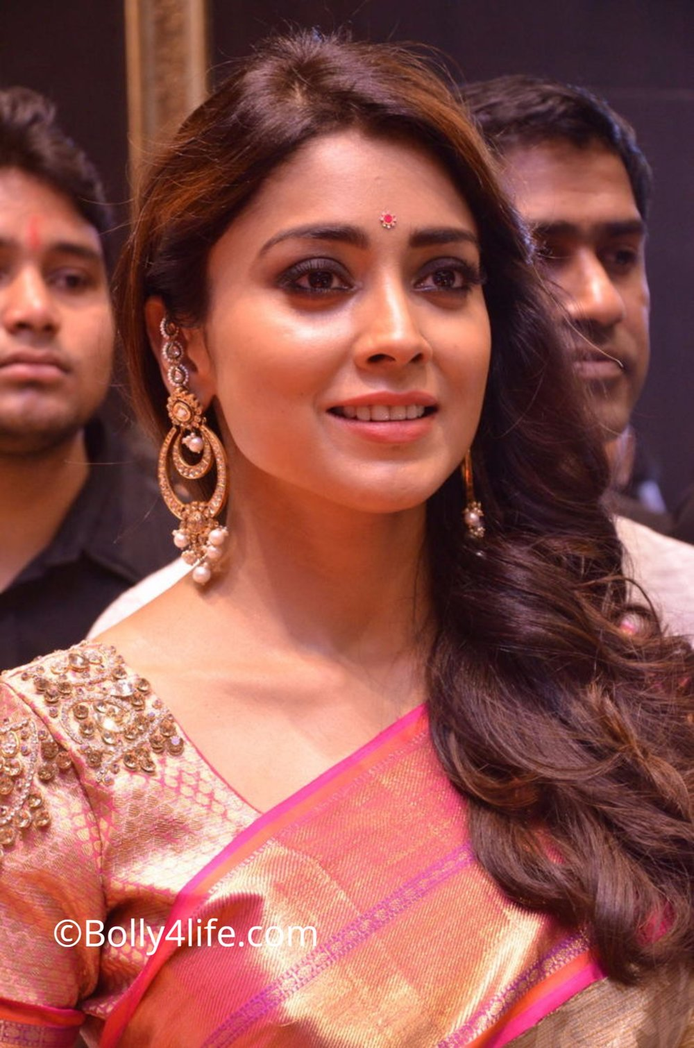 Shriya Saran (22)1492165381.JPG