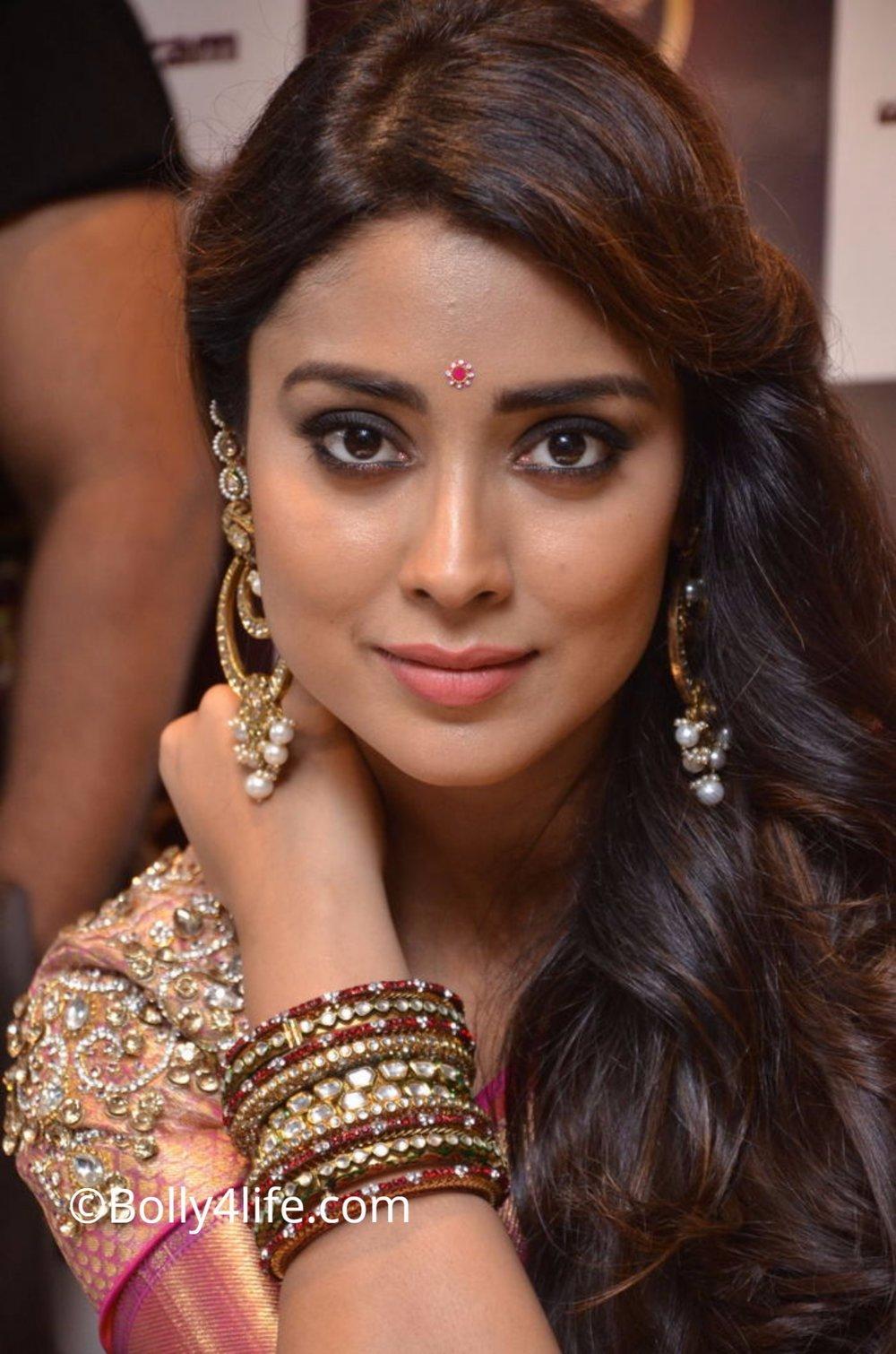 Shriya Saran (137)1492165816.JPG