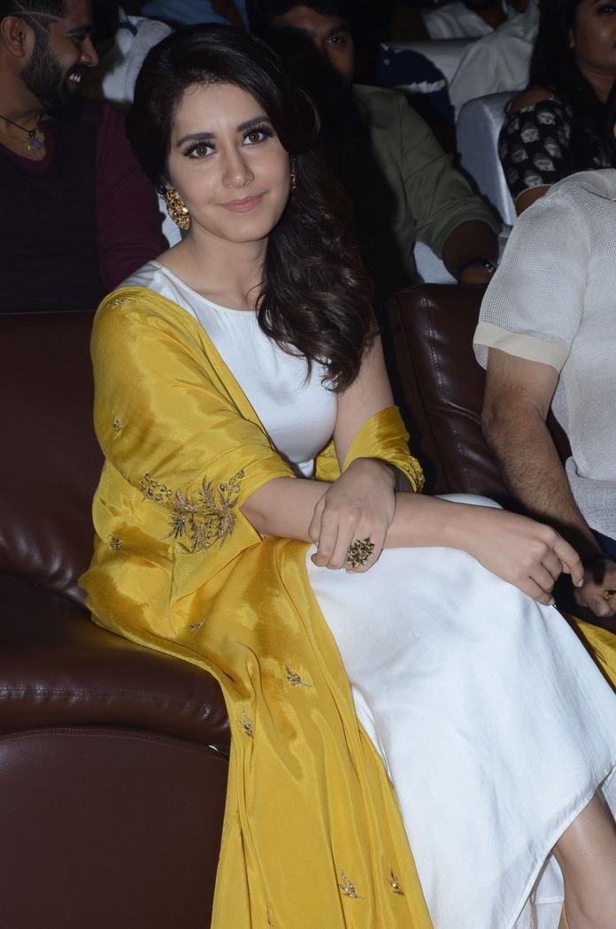 Rashi Khanna (51)1510330345.JPG
