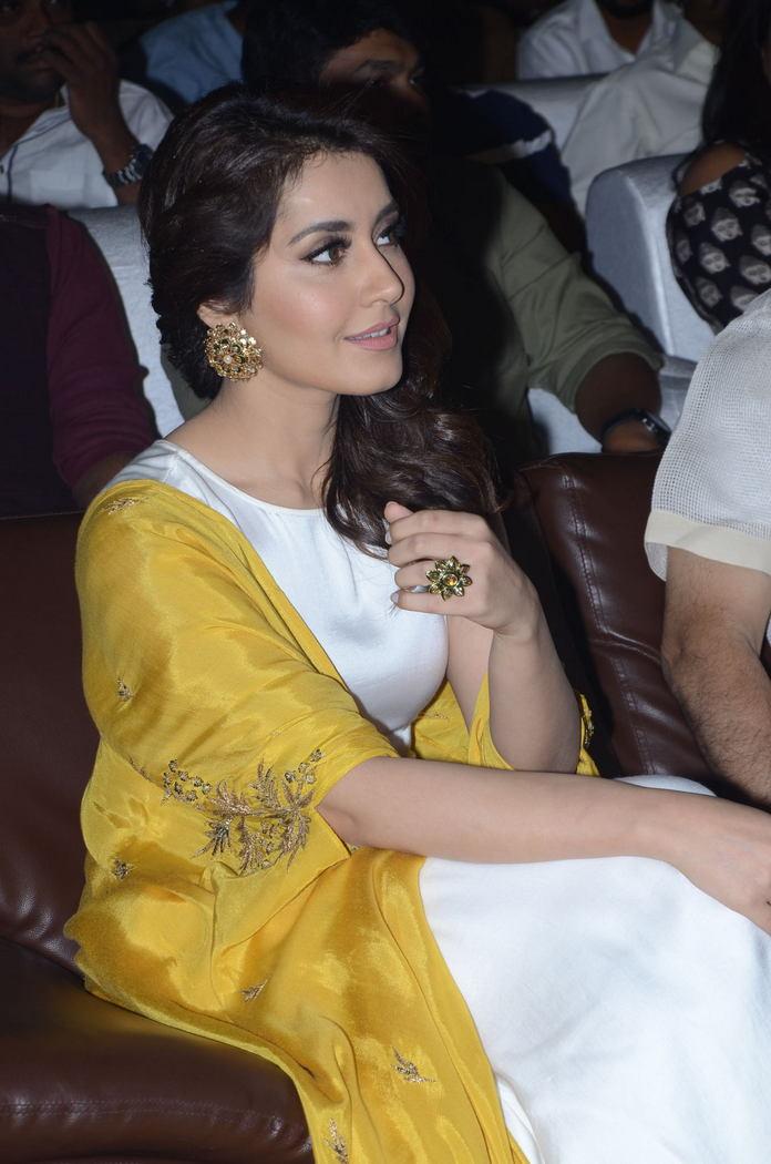 Rashi Khanna (59)1510330345.JPG