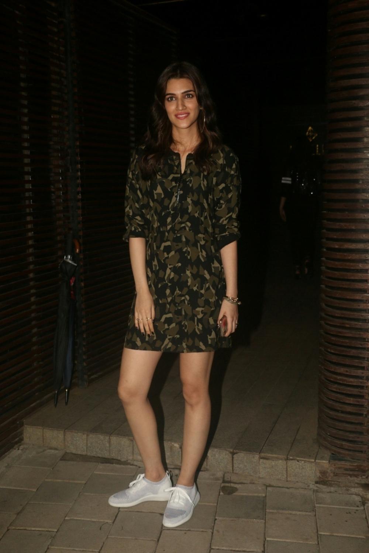 Mumbai: Actress Kriti Sanon at director Anand L Rai's birthday celebration in Mumbai on June 27, 2018. (Photo: IANS)