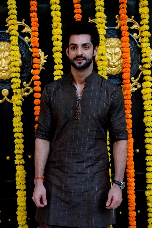 Mumbai: Actor Karan Wahi at producer Ekta Kapoor's residence for Ganpati Celebrations in Mumbai on Sept 16, 2018. (Photo: IANS)