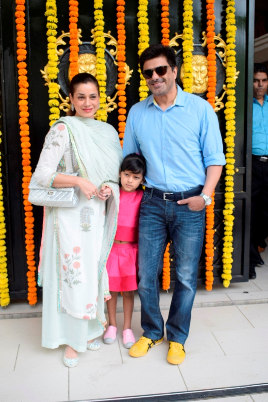Mumbai: Actress Neelam Kothari along with her husband Samir Soni and daughter Ahana Soni at producer Ekta Kapoor's residence for Ganpati Celebrations in Mumbai on Sept 16, 2018. (Photo: IANS)