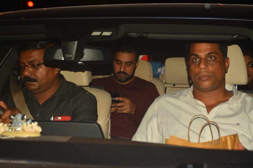 Mumbai: Raj Kundra seen at a restaurant in Mumbai's Bandra on Oct 5, 2018. (Photo: IANS)