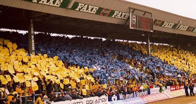 Mosaiktifoen til kampen mod Viborg den 31. marts 1996.