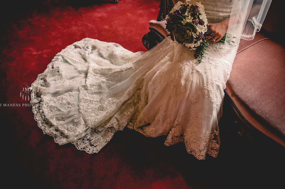 J+A_GettingReady_Wedding2017(148of400).JPG