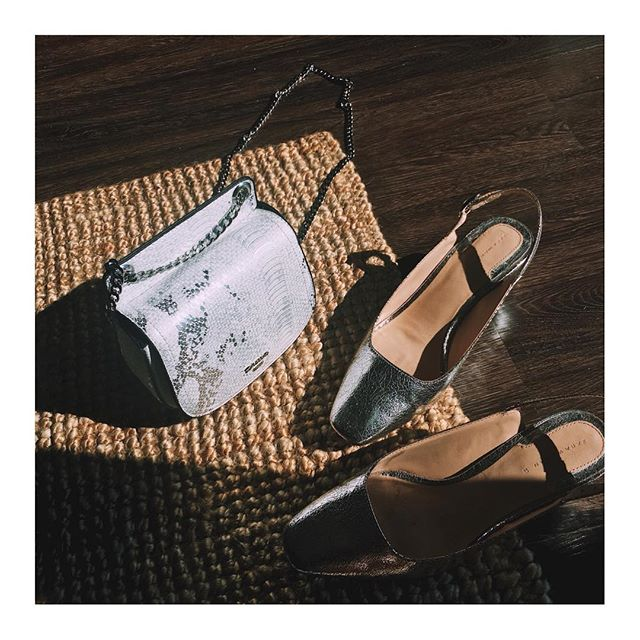 Shall we go to the beach to pick some shells? 🐚  #fashion #fashionstyle #fashionstylist #fashionista #fashionblogger #fasionbrand #fashionphotography #fashioneditorial #eyelovelu #ootd #shotoniphone #myfeatureshoot #iphonephotography #stilllife #stilllifephotography #shoes #bag