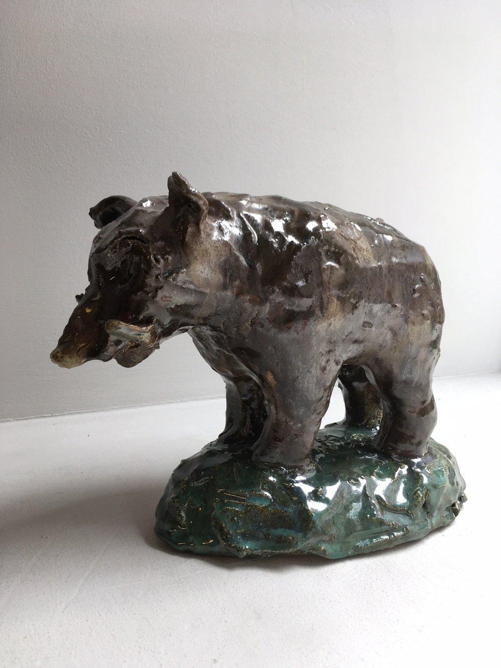 Porquinho-da-índia, 2018; Glazed stoneware; 19,5 x 26,5 x 11 cm