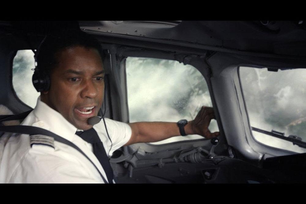 """Desculpa, Denzel Washington, mas não vou ver esse teu filme """"O Voo"""" a onze mil metros do solo não. Volte mais tarde"""