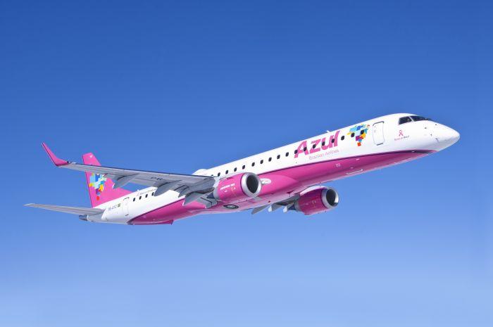"""Parabéns a Azul por aderia à campanha Outubro Rosa! Essa aeronave especial foi batizada com o nome """"Rosa e Azul"""""""