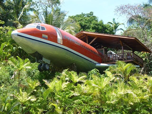 A suíte especial do Hotel Costa Verde fica dentro de um Boeing 727 fabricado em 1965 e completamente restaurado