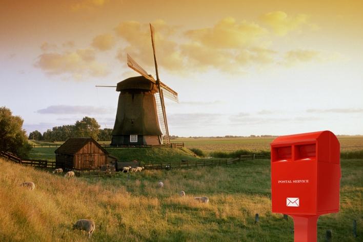 A lembrança, o cuidado em escolher o postal, em escrever... pode demorar de chegar mais do que um email, mas o gesto de enviar cartões tem o seu valor (Foto:  Flickr CC BY-SA 2.0)