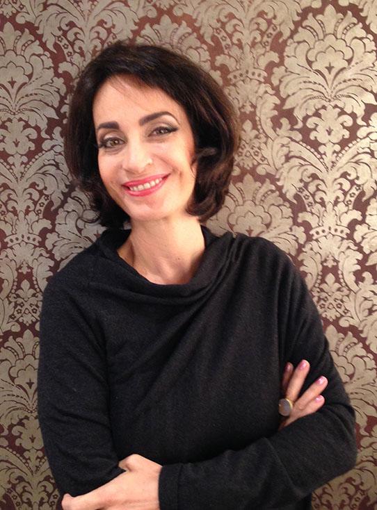 A escritora e consultora Claudia Matarazzo é autora de 18 livros sobre etiqueta e comportamento
