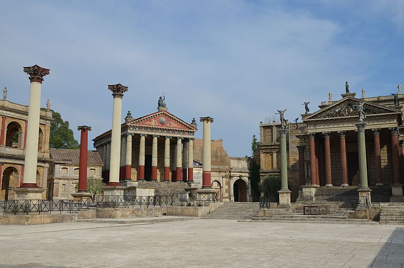 Set de filmagens de  Rome  — série de tv da HBO — na Cinecittà, na cidade de Roma (Foto: Carole Raddato )