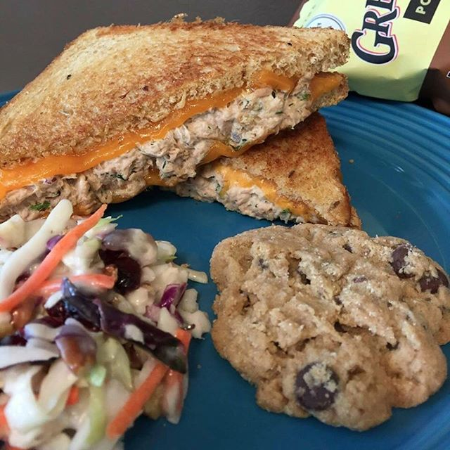 Hot Meals for the Colder Weather!🥣 Ardelli has warmth and comfort in mind for this week!  Hot Sandwiches, soups, and more!! Weekly Specials:  Tuna Melt: Hearty bread grilled and stuffed with cheddar cheese and tuna salad. Served with a side salad of your choice, chips, and cookie for $9. 📣Hot Item Spotlight📣 Get $1 off on any order of:  Bacon Mac & Cheese Meal! Vegan Chickpea Sandwich Meal! Turkey Reuben Meal!  Fresh and Fit Special: Crustless and Gluten Free Quiche: A spaghetti squash base mixed with sauteed seasonal veggies, flavorful herbs and spices, then mixed with cheeses baked to a perfect golden brown! Served with fresh fruit, muffins and bottled water for $8!  Homemade Soups this week: Superfood Chicken Vegetable Seafood Chowder
