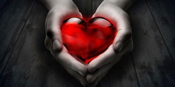 heart-gem-in-hand-600x300.jpg