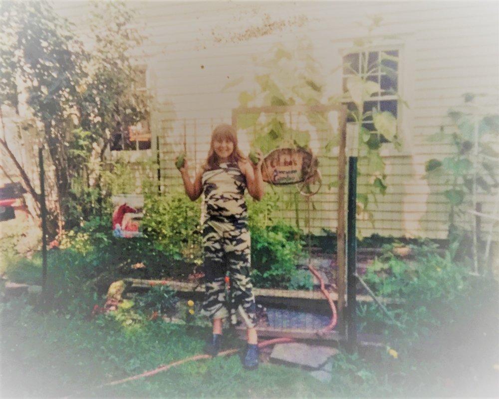 chelsa in her garden 2.jpg