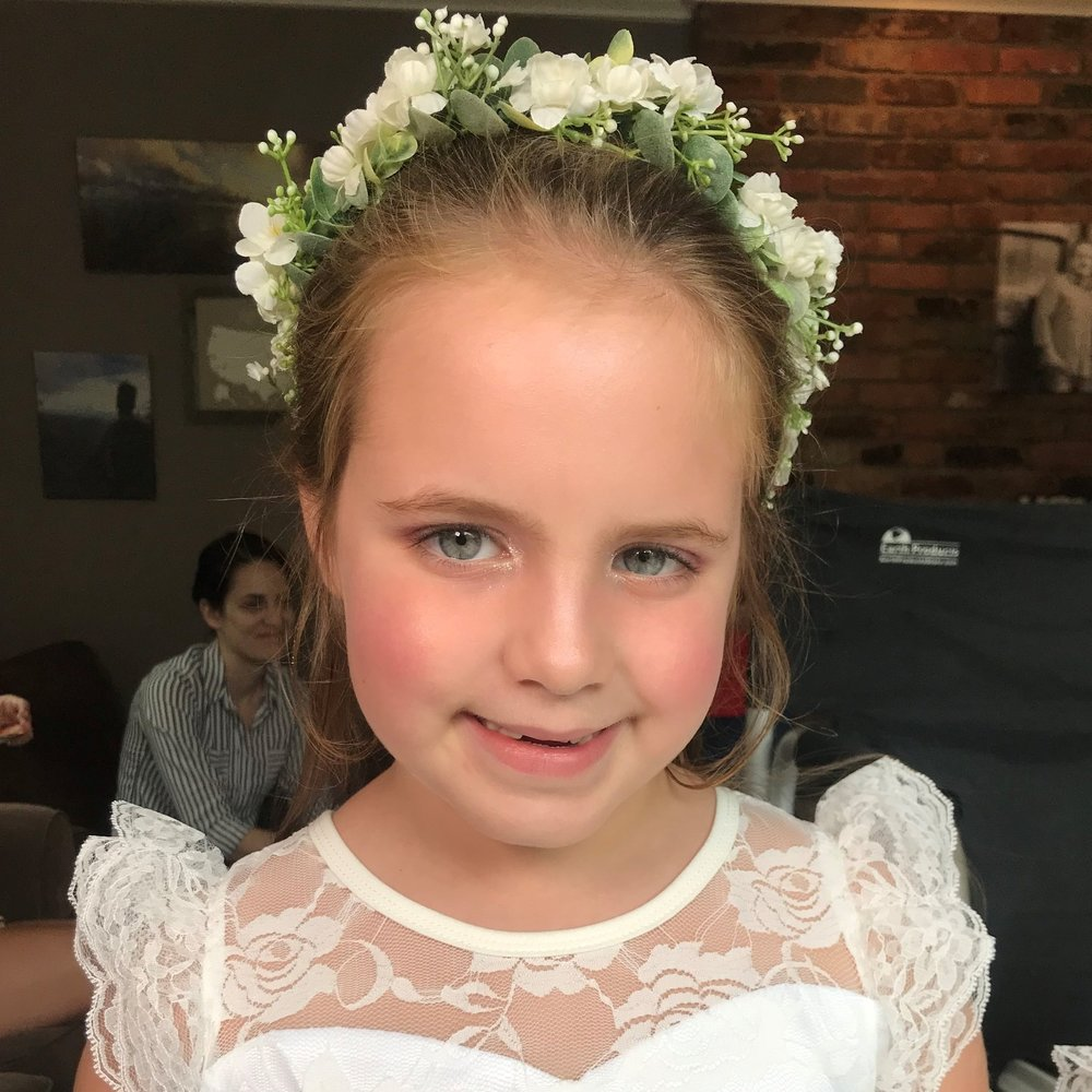 Flower Girl Hairstyle    For Flower Girls under 8   A quick hairstyle with minimal heat tools and hair styling, to help your flower girl look and feel her best!