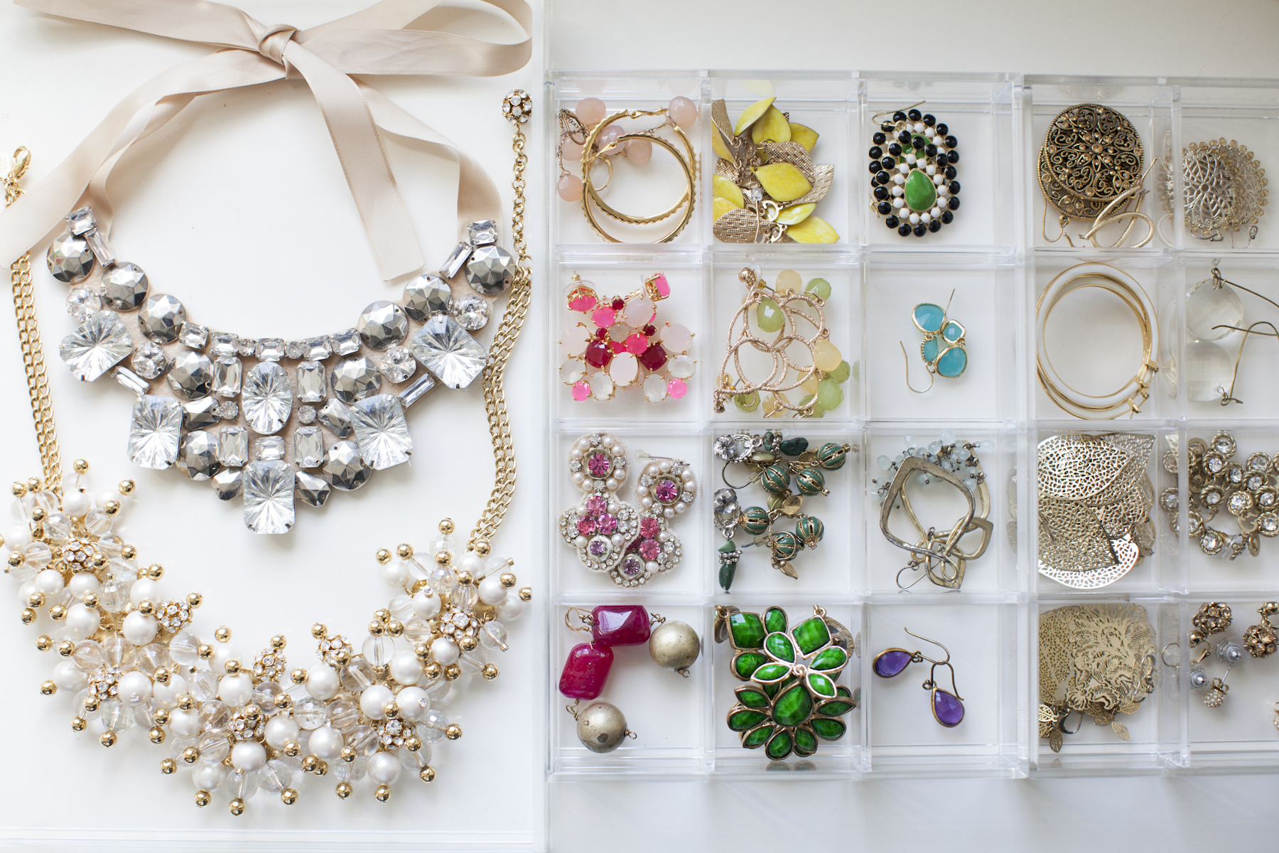 organized jewelry // Organizing Spotlight: Neat Method // Arianna Belle Blog