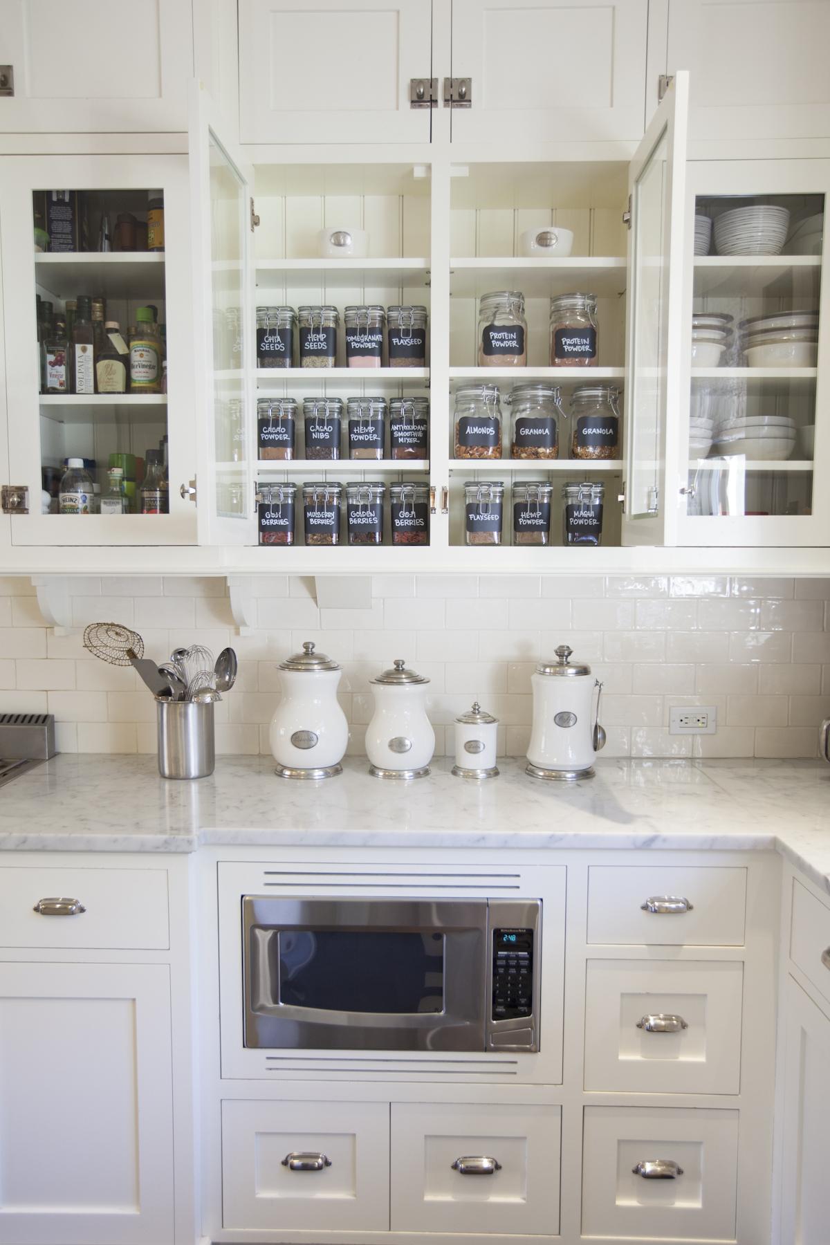 organized kitchen // Organizing Spotlight: Neat Method // Arianna Belle Blog