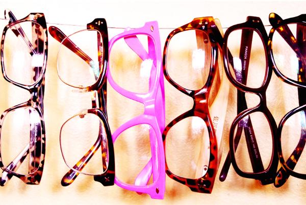 beautifullyorganized-glasses-hanging2.jpg