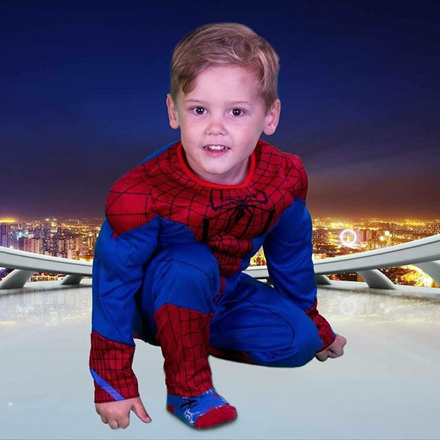 Green screen photography in my studio. Range of backgrounds transforms your kids into anything from Santas little helper to a super hero