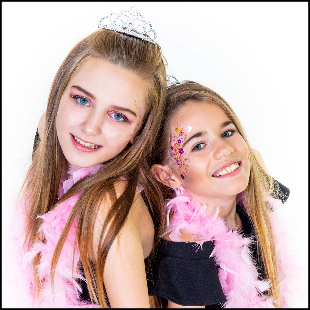 2-girls.jpg
