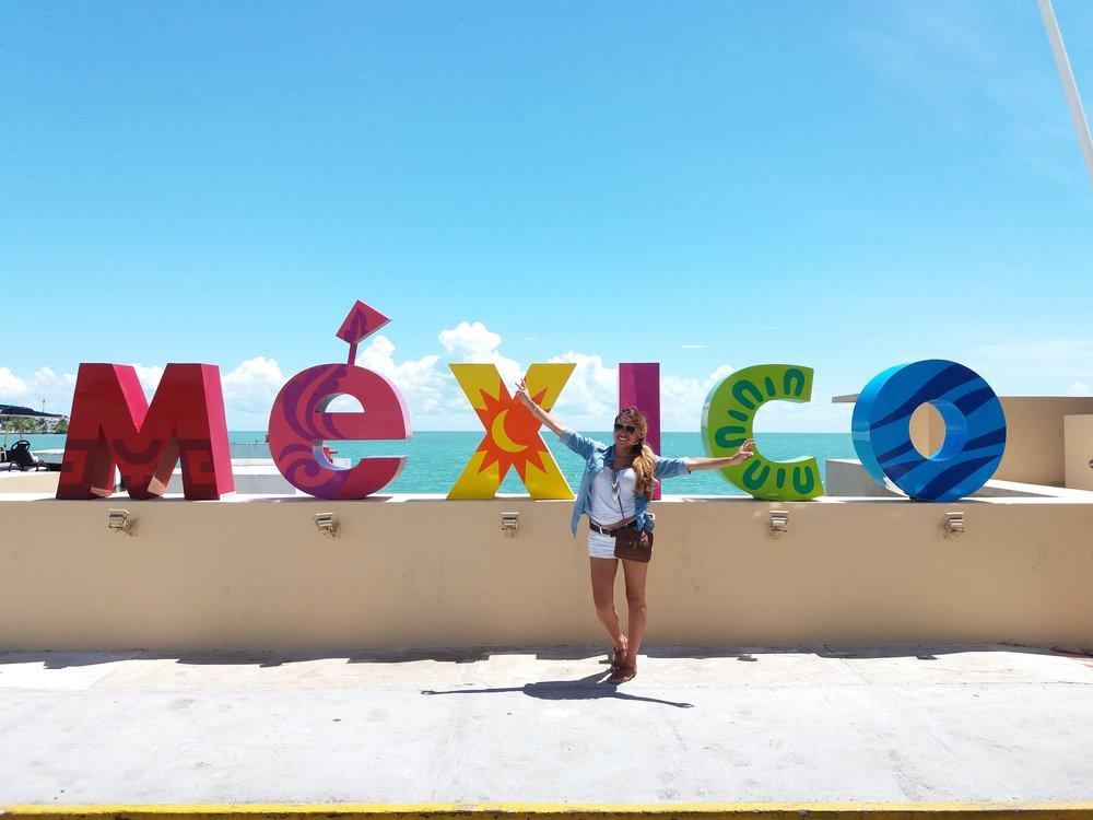 Mexico sign at the Chetumal Port (border crossing)
