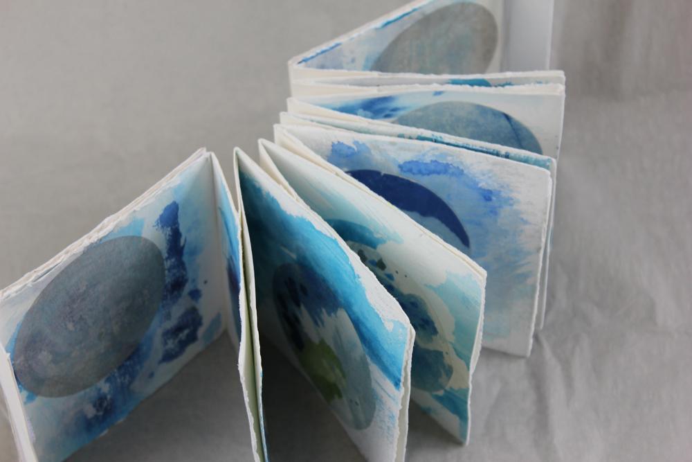 Leah Beggs  - Square Circles 2 - Artist Book - 11.2 x 11.2 x 2.5cm.jpg