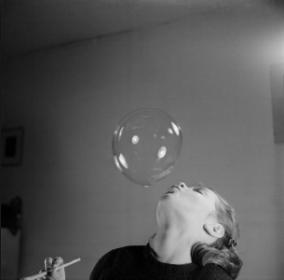 blow bubbles. 1950s